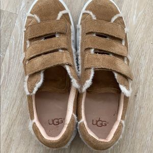 UGG ALIX SPILL SEAM FASHION SNEAKERS